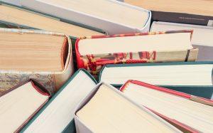 Es gibt nicht zu viele Bücher (Foto: Domas / pixabay.de)