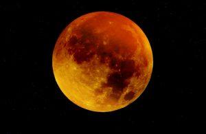 Kein Mond? Roter Mond! (Foto: ulrikebohr570 / pixabay.de)