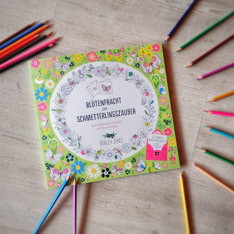 Blütenpracht und Schmetterlingszauber – Rebecca Jones