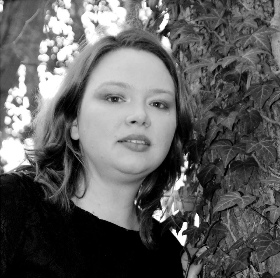 Jugendschutz, Scheuklappen und Dämonenfürsten – Raywen White im Interview